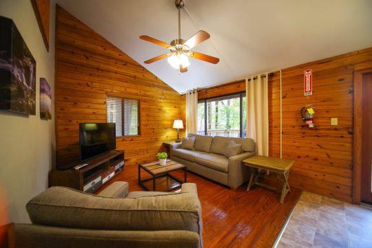 Living room in Ash Cabin