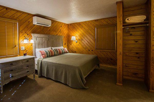 Bedroom at Dogwood Motel