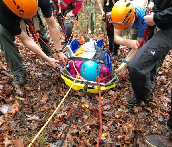 Carrying a person on a stretcher during the LAST course