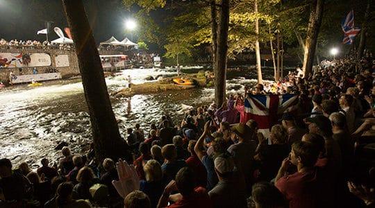 2013_freestyle_kayaking_worlds_night-jpg